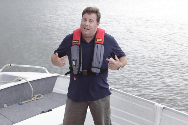 Shane Jacobson Life Jacket Promo – Roads and Maritime Services